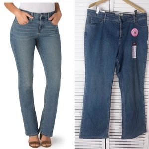 Levi's at-waist bootcut jeans -NWT